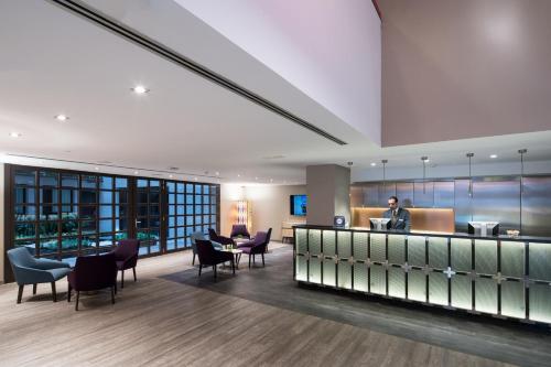 The lobby or reception area at Catalonia Avinyo
