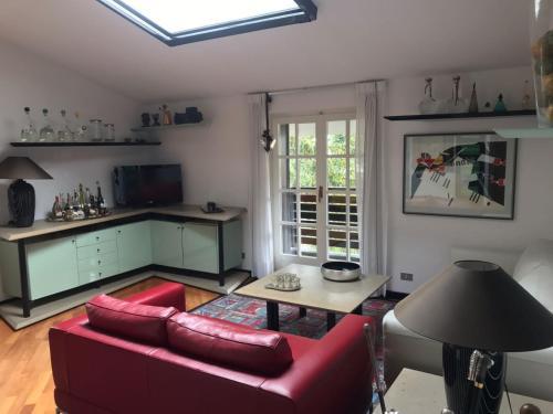 A kitchen or kitchenette at Appartamento Bernasconi