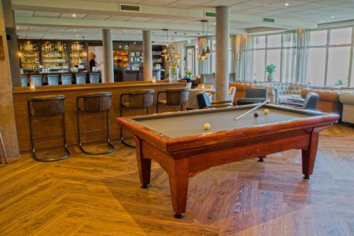 A pool table at Landgoed Hotel Tatenhove Texel
