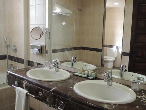 A bathroom at Parador de Zamora