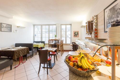 Restaurant ou autre lieu de restauration dans l'établissement Hôtel et Restaurant de La Vallée