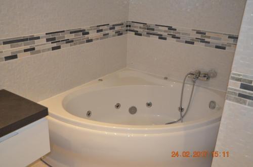 A bathroom at Porto de Mos Golf & Beach B&B