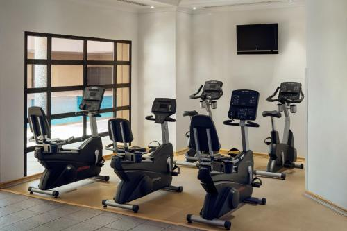 The fitness center and/or fitness facilities at Le Meridien Jeddah