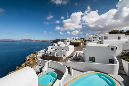 Vue sur la piscine de l'établissement Ambassador Aegean Luxury Hotel & Suites ou sur une piscine à proximité