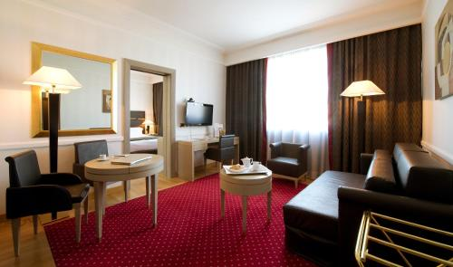 Area soggiorno di Grand Hotel Duca Di Mantova
