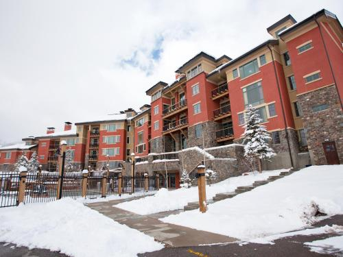 Raintree's The Miners Club Park City during the winter