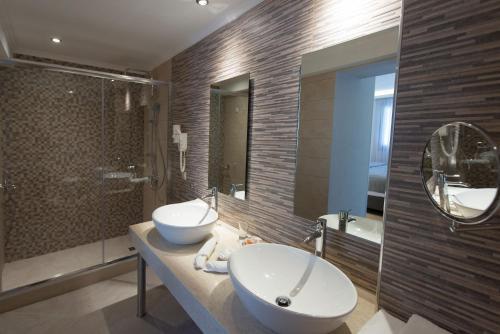 A bathroom at San Nicolas Resort Hotel