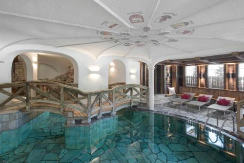 The swimming pool at or near Hotel La Perla: The Leading Hotels of the World