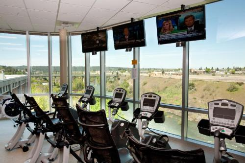 The fitness center and/or fitness facilities at Spokane Club Hotel