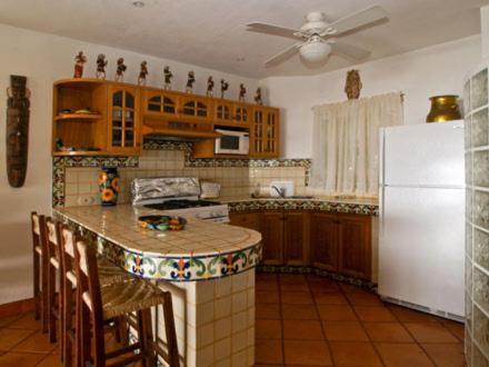 Una cocina o zona de cocina en Casa Isabel a Boutique Hilltop Inn