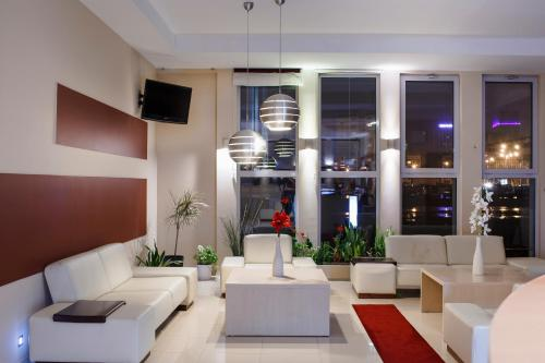 The lobby or reception area at Hotel Gryf