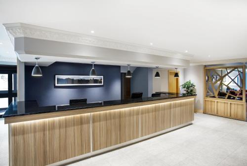 The lobby or reception area at Jurys Inn Inverness
