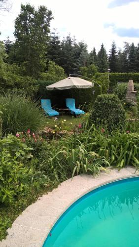"""Der Swimmingpool an oder in der Nähe von Ferienwohnung """"Sonnenschein"""" im Lausitzer Seenland 75 qm"""