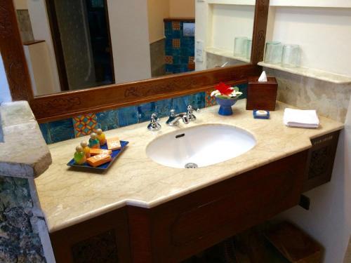 A bathroom at Poppies Bali
