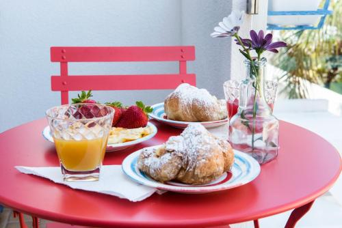Breakfast options available to guests at Appartamento Daniela