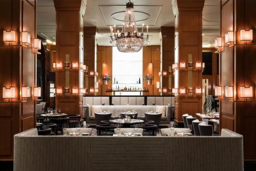 מסעדה או מקום אחר לאכול בו ב-Beverly Wilshire, A Four Seasons Hotel