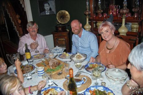 A restaurant or other place to eat at Dylan Thomas House