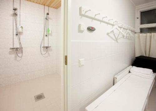 Kylpyhuone majoituspaikassa Ahlströmin Ruukki Noormarkku