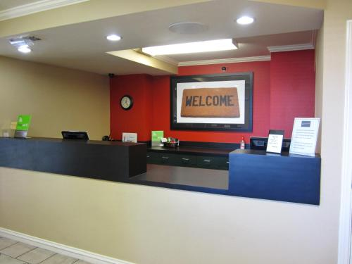 The lobby or reception area at Extended Stay America - Los Angeles - LAX Airport - El Segundo