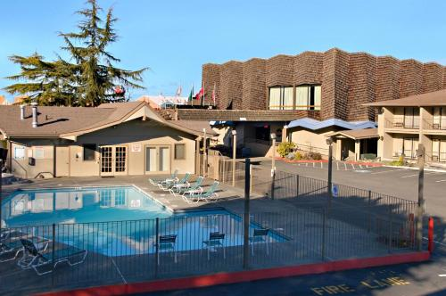 The swimming pool at or near Red Lion Hotel Port Angeles Harbor