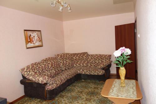 Гостиная зона в Apartments on Anfinogenova