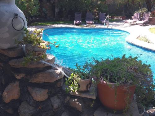 Uma vista da piscina em Atankalama ou nos arredores