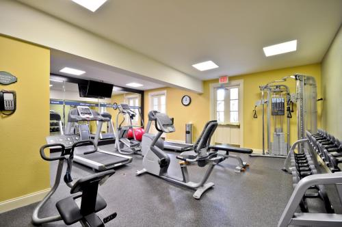 The fitness center and/or fitness facilities at Hampton Inn Charleston-Historic District