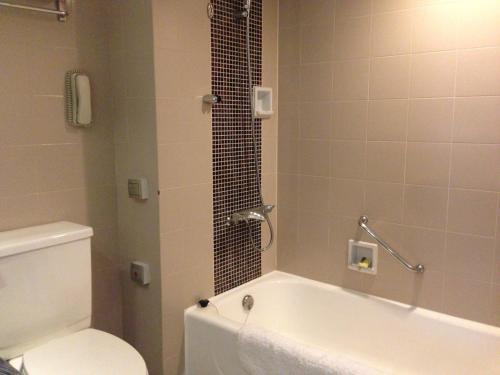 A bathroom at Grand Park Xi'an