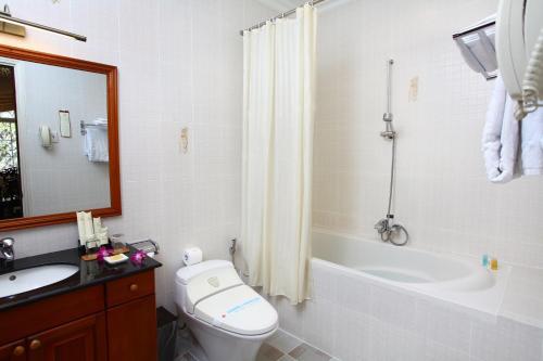 Salle de bains dans l'établissement Hotel Continental Saigon