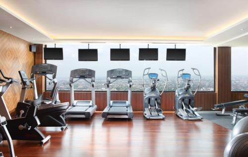 The fitness center and/or fitness facilities at Four Points by Sheraton Medan