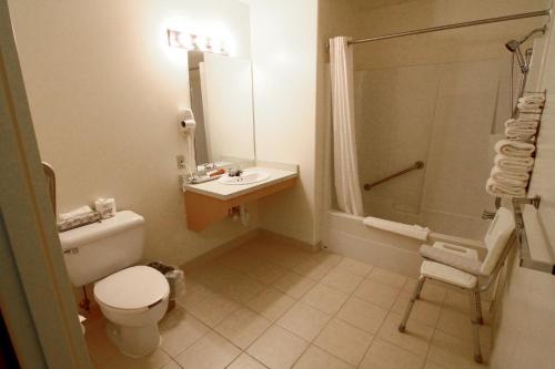 A bathroom at Pilgrim Inn