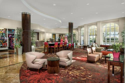 The lounge or bar area at Desert Palms Hotel & Suites Anaheim Resort