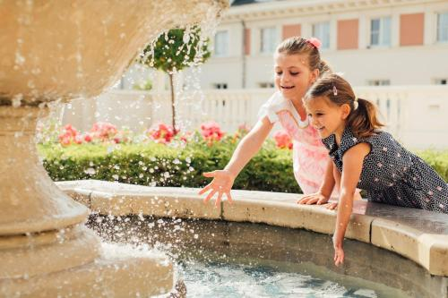 Children staying at Dream Castle Hotel Marne La Vallee