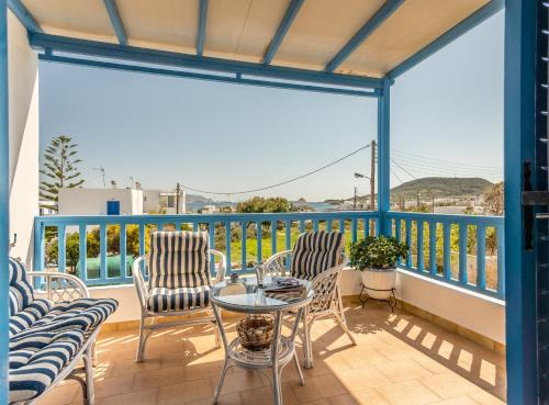 A balcony or terrace at Traditional House Milos