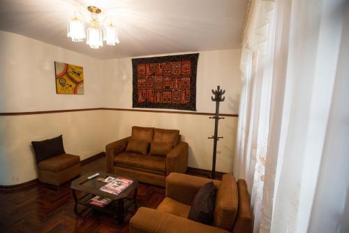A seating area at La Villa Di Ana