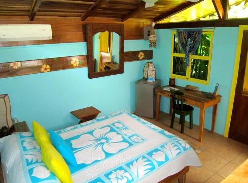 Mesa de billar en Physis Caribbean Bed & Breakfast