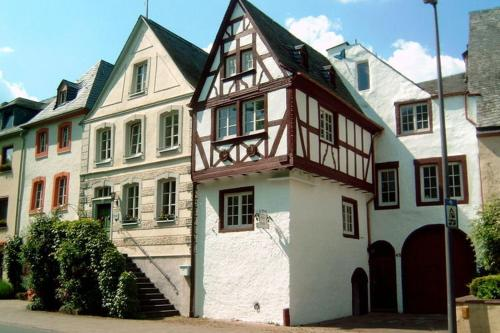 Heritage Holiday Home in Bernkastel-Kues with a view