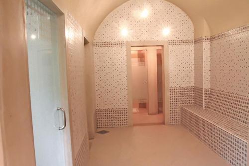 Een badkamer bij Sahara Beach Aquapark Resort