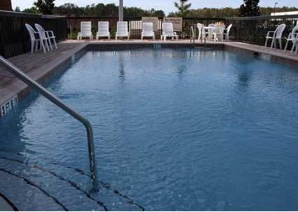 The swimming pool at or near Hampton Inn & Suites Orlando-John Young Parkway/South Park