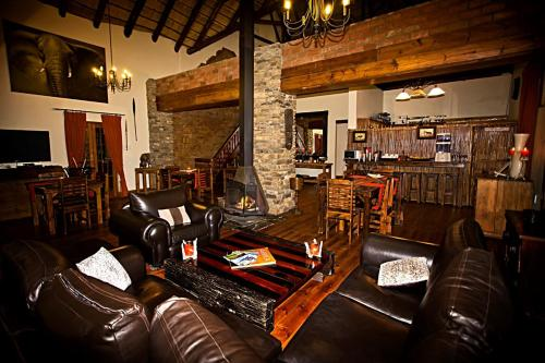 The lounge or bar area at Addo Bush Palace