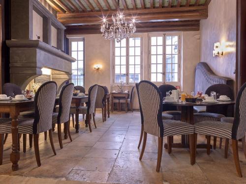 Restaurant ou autre lieu de restauration dans l'établissement Hotel De Guise Nancy Vieille Ville