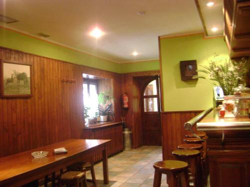 A restaurant or other place to eat at Hostal Venta San Blas