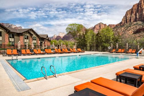 The swimming pool at or near SpringHill Suites by Marriott Springdale Zion National Park