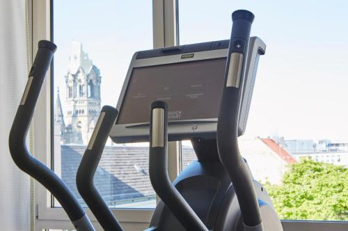 The fitness centre and/or fitness facilities at Steigenberger Hotel Berlin