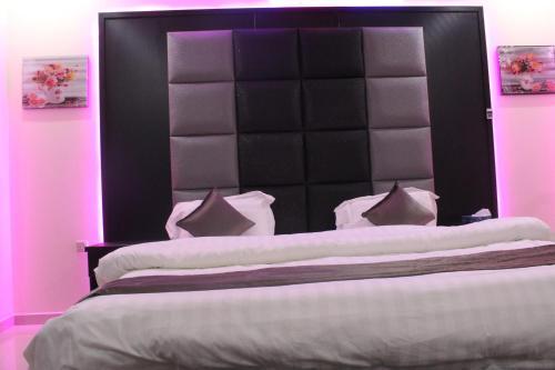 Cama ou camas em um quarto em Clouds and stars Aparthotel 2