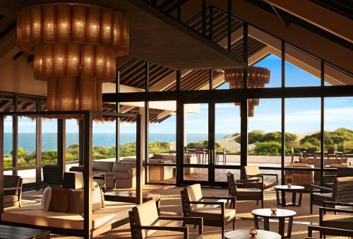 A restaurant or other place to eat at Jetwing Yala