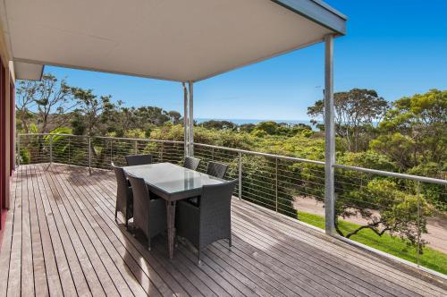 A balcony or terrace at Beachside Vista