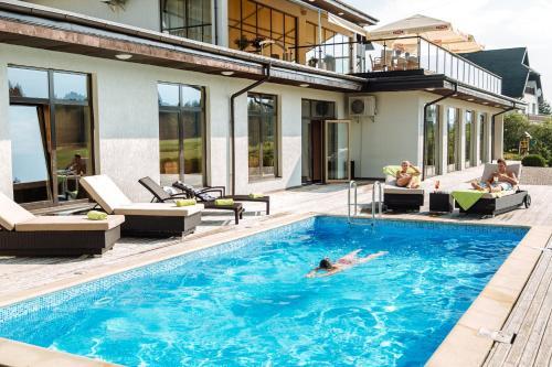 The swimming pool at or near Spa Hotel Ezeri