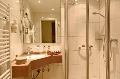 Een badkamer bij Alte Weinschänke