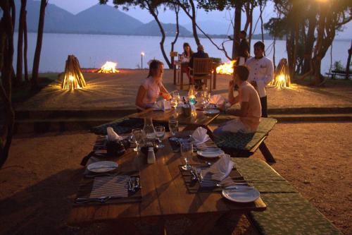 Restaurant ou autre lieu de restauration dans l'établissement Amaya Lake Dambulla